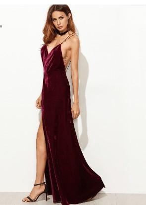 Модний жіночий одяг з Аліекспрес часто включає оксамитові плаття.  Оксамитове плаття з відкритою спиною  плаття з відкритою спиною 1f49780c234dc