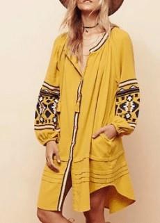 Вишите плаття в етнічному стилі
